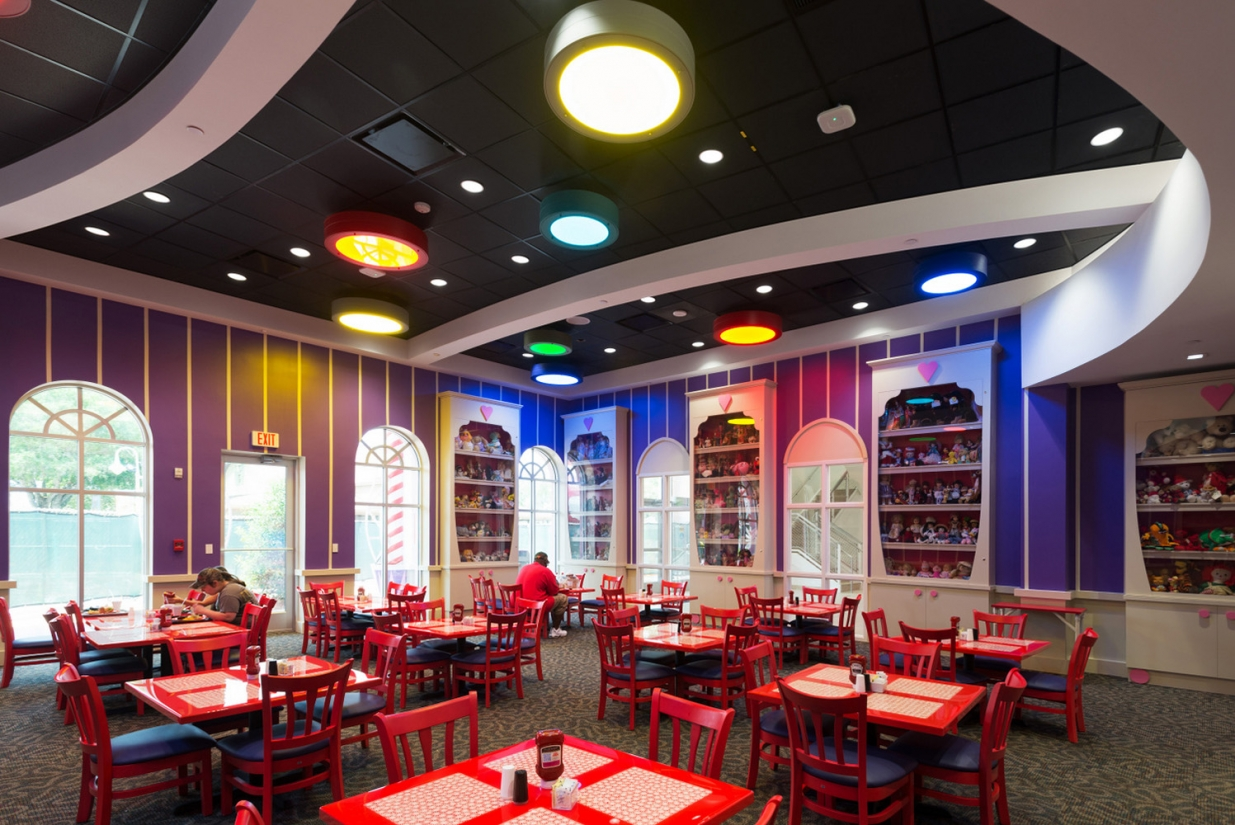 Omnience luminaires in a restaurant lighting application with multiple colors for a family friendly design.