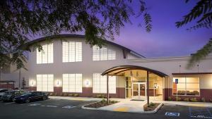 Colonnade - Ventura Orthopedics