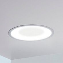 Symmetry 2x2 recessed ceiling fixture with white light disinfection